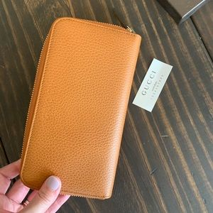 Gucci Zip Around Wallet - Brand New